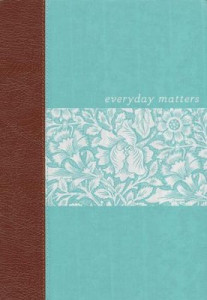 1619700115 | NLT Everyday Matters Bible for Women Deluxe Hardcover